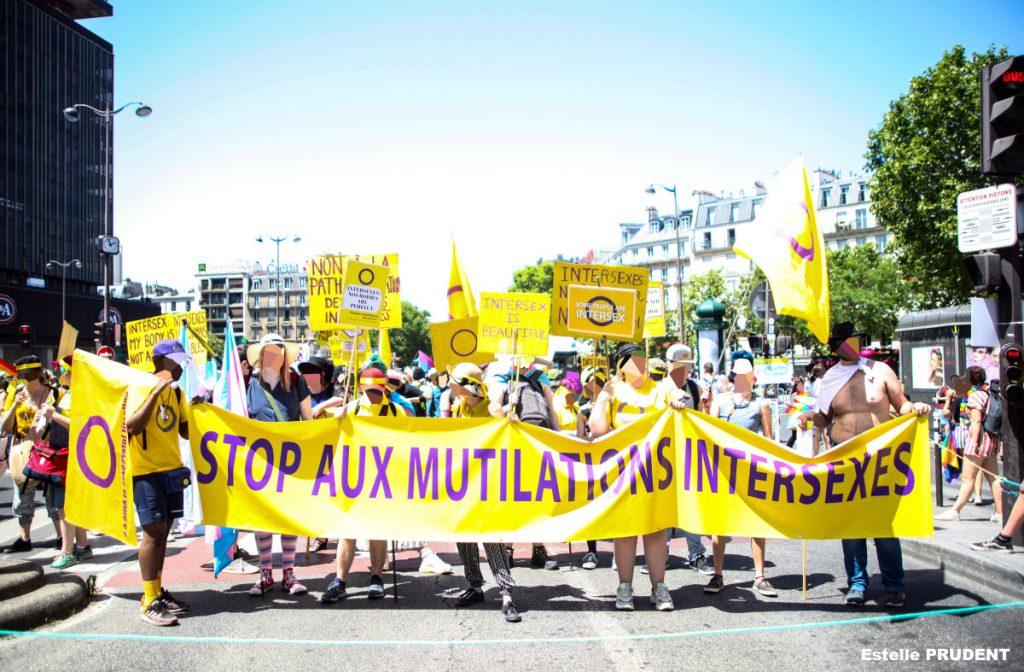 manifestation pour les droits des personnes intersexes